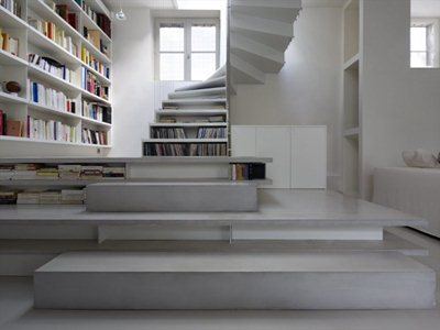 Abstraction active: a loft dressed in white in Paris