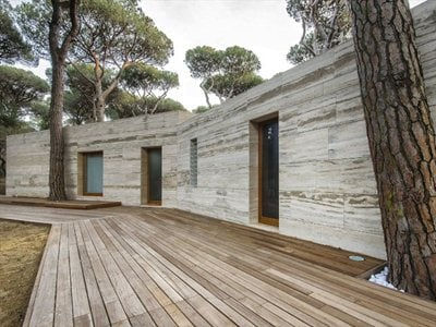 The refined ambiguity of the 'house in a pinewood' in Tuscany
