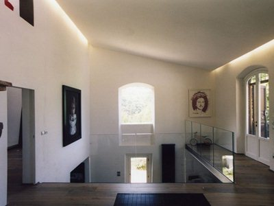Full of void: Eutropia's renovation of a farmhouse