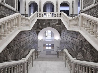 The 'new' Law Courts in Burgos: re-using the past