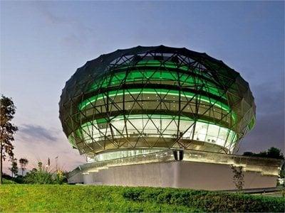 The iGuzzini sky: the Spanish headquarters designed by MiAS Arquitectos
