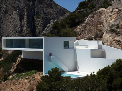 The house on the cliff: Fran Silvestre's latest project