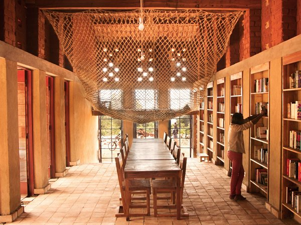Library for the community of Muyinga BC architects