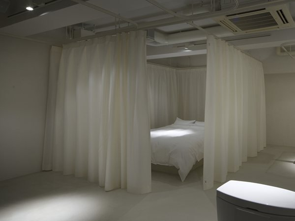 Hotel room Mifune Design Studio