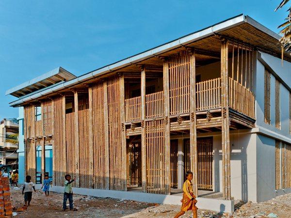 Kouk Khleang Youth Center Komitu Architects
