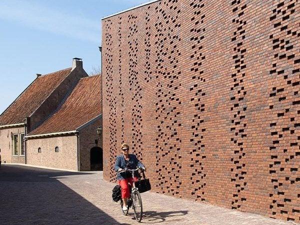 Restoration and extension Museum Nairac Van Hoogevest Architecten