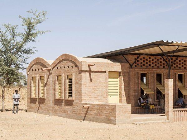 Primary School Gangouroubouro LEVS architecten