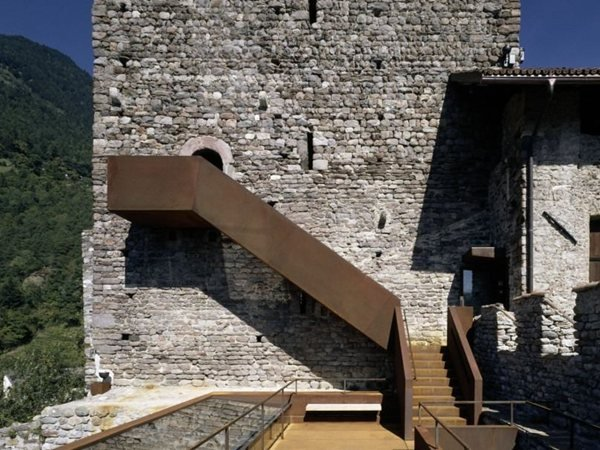 Restauro e allestimento museale di Castel Tirolo Markus Scherer Architekt