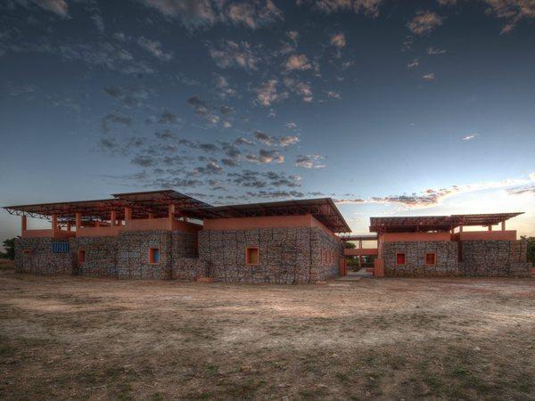 Orphelinat Falatow Jigiyaso F8 Architecture