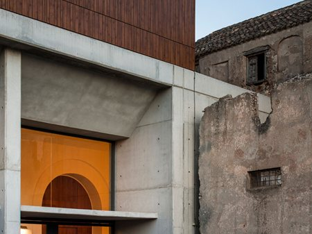 Renovation Of The Oscense Theatre And Its Annexe Cloister GGYPB arquitectura