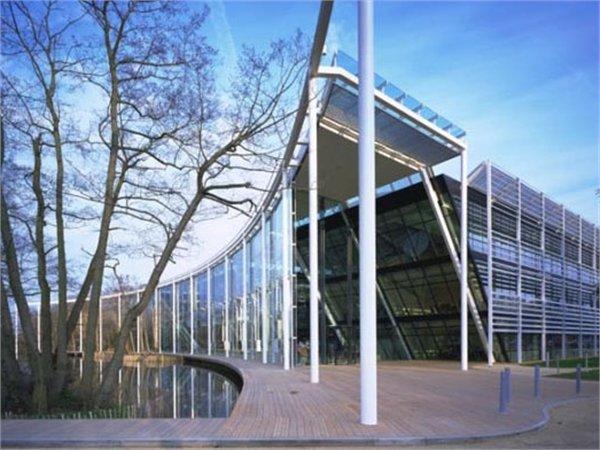 Electronic Arts European Headquarters Foster + Partners