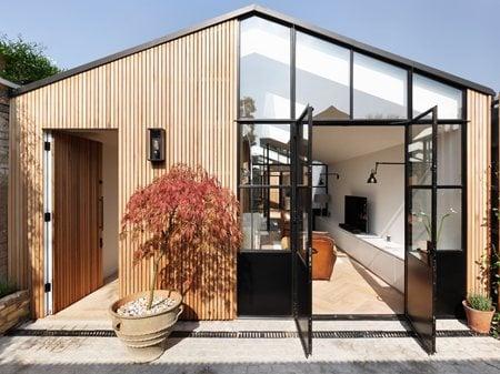 Courtyard House DE ROSEE SA
