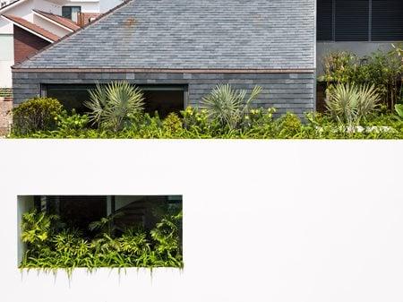 MINIMALIST SUBURB HOUSE MM ++ ARCHITECTS