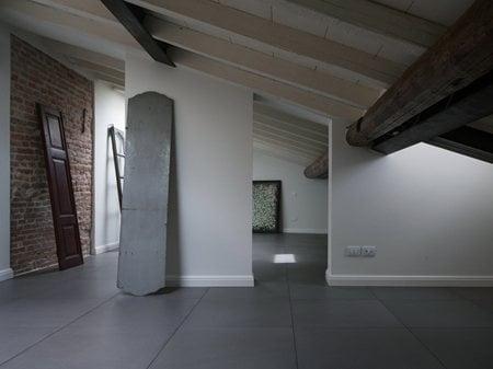 apartment white bricks over light Elisa Alessi - studio di architettura