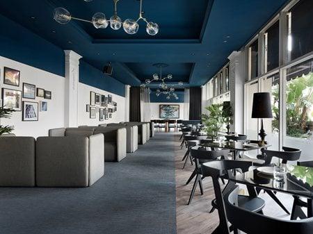 SHOWTIME CINEMAS - Show Cafe' W&Li Design