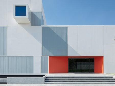 White Square Minggu Design
