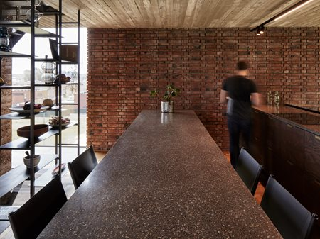 401_Circular Brick House with Rammed Earth Wall AST77