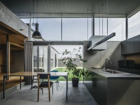 House in Iizuka PeakStudio