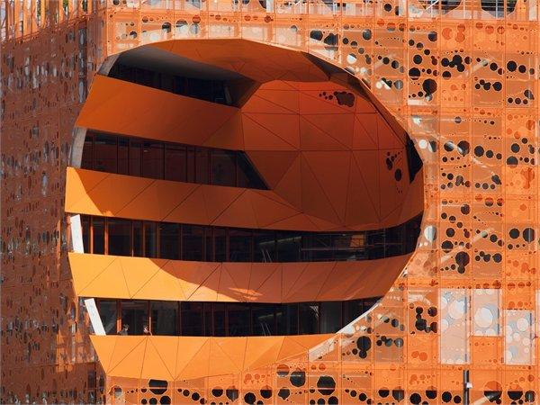 Le Cube Orange Jakob + MacFarlane Architects
