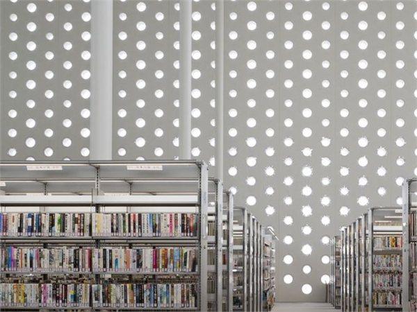 Kanazawa Umimirai Library Kazumi Kudo + Hiroshi Horiba / Coelacanth K&H Architects