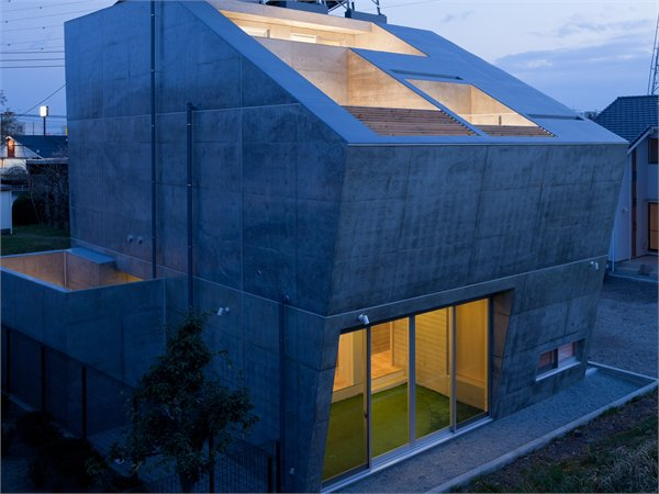 House in Fuji LEVEL Architects