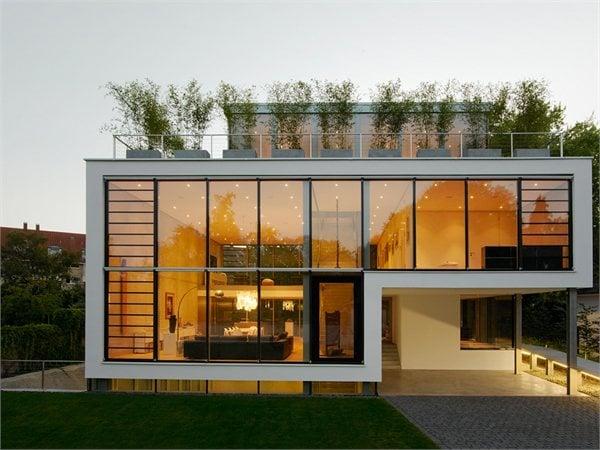 House R CHRIST.CHRIST. Associated Architects