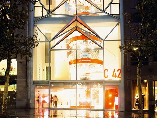 C_42 New showroom for Citroën Manuelle Gautrand Architecture