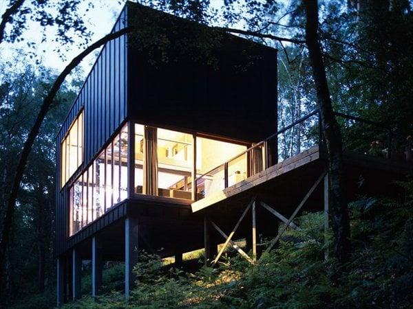 Une pavillon dans les bois stekke + fraas architectes