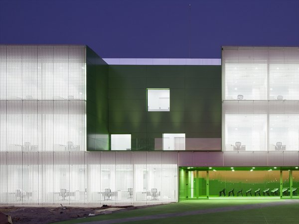 Social Services Center in Móstoles dosmasuno arquitectos